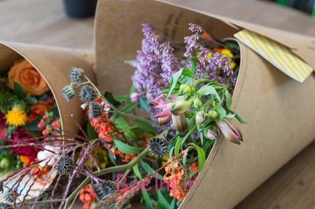 تزیین دسته گل طبیعی,نحوه تزیین دسته گل