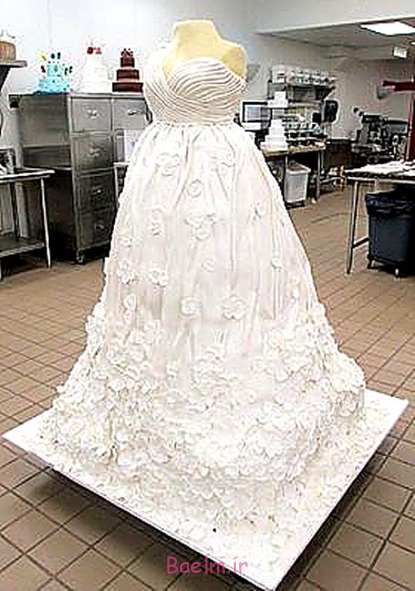 wedding-dress-giant-cake