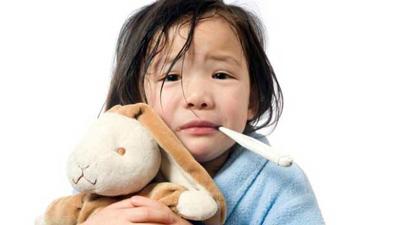 جلوگیری از تب کودک،پایین اوردن تب کودک