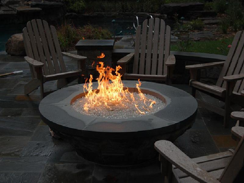 outdoor-gas-fire-pits-table-round