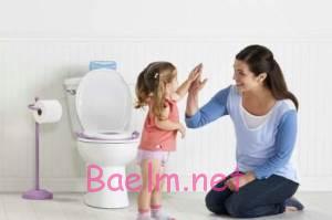 چه زمانی و چگونه کودک را از پوشک بگیریم؟