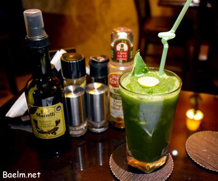 موهیتوی خنک ، یکی از بهترین نوشیدنی ها برای رفع عطش