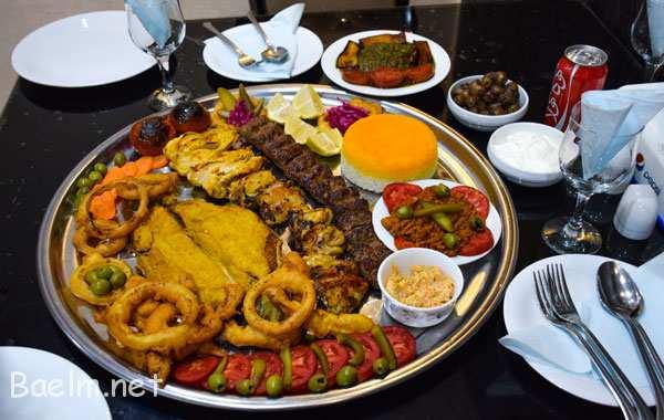 این تصویر بی نظیر مربوط به سینی مخصوص رستوران آریامنه