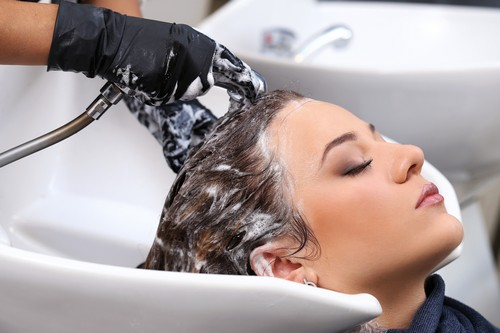 شستن بیش از حد موها
