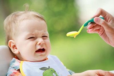 مشکل عدم تمایل کودک به غذا خورد
