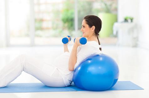 ورزش در دوران بارداری مضر است