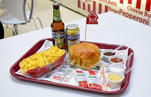 فرنچ برگر و سیب زمینی با دیپ پنیر