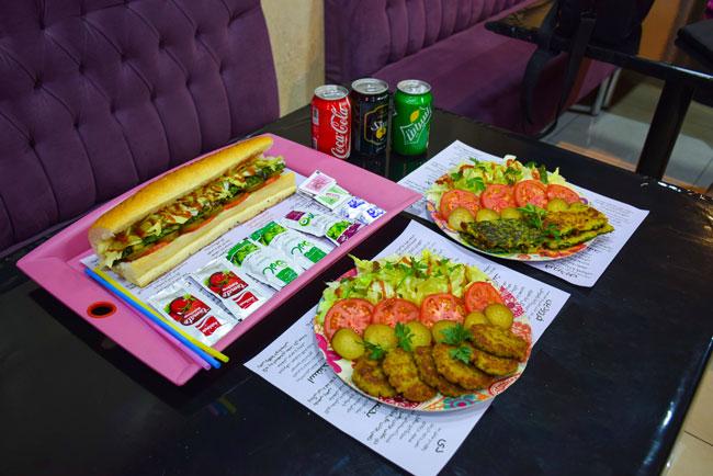کوکو سبزی ، کوکو دورنگ و کتلت با مخلفات