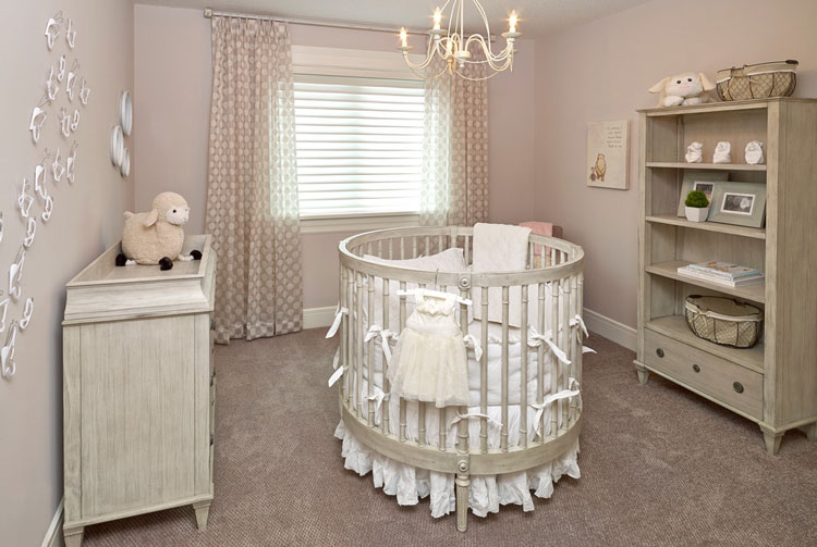 تخت نوزاد دایره شکل