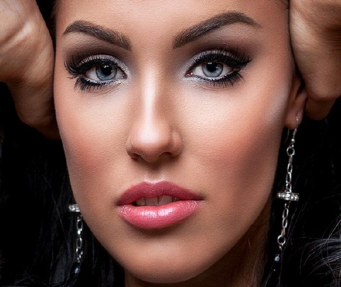 مدل آرایش ساده صورت,جدیدترین میکاپ صورت و آرایش چشم و مدل ابرو 2018,میکاپ صورت دخترانه