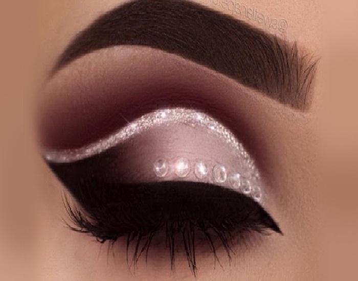 جدیدترین مدل میکاپ صورت,مدل خط چشم,مدل ابروی پهن کشیده,زیباترین آرایش چشم