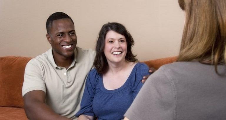 پویایی رابطه با استفاده از زوج درمانی: {hendevaneh.com}{سایتهندوانه}زوج درمانی مناسب برای کدام زوجین است ؟ - 37096 4 - زوج درمانی مناسب برای کدام زوجین است ؟