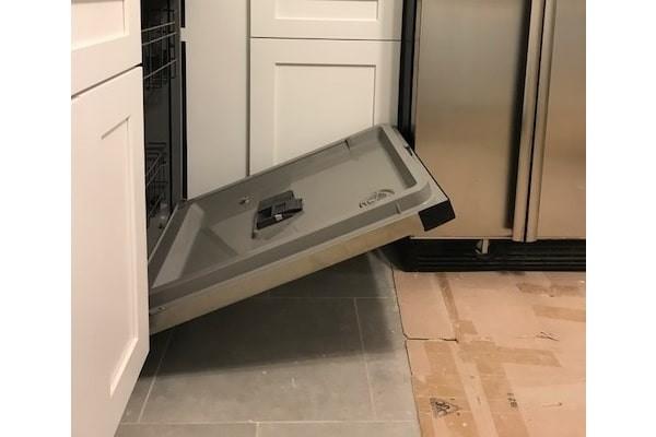 تعمیرات ماشین ظرفشویی ال جی که آب آن تخلیه نمی شود