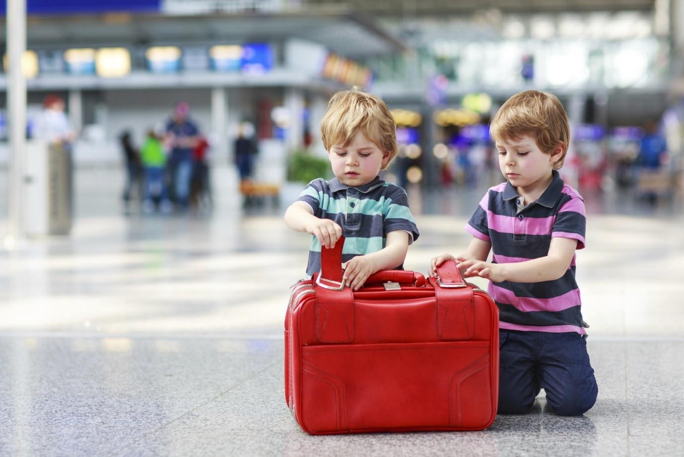 برای کودکتان کیسه هواپیما تعبیه کنید و با آن او را غافلگیر کنید