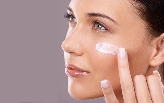 چرا استفاده از کرم ضد آفتاب لازم  و ضروری است؟